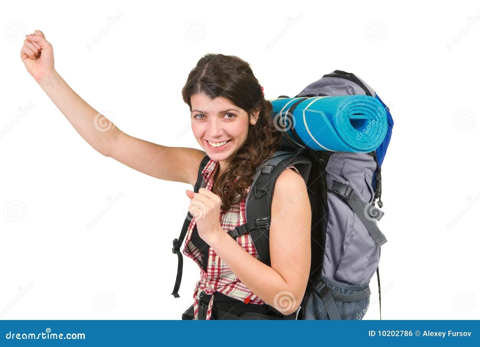 Señora joven con la mochila turística