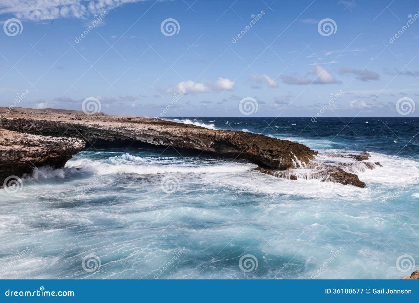 Se briser ondule à l ascension Curaçao de Boka