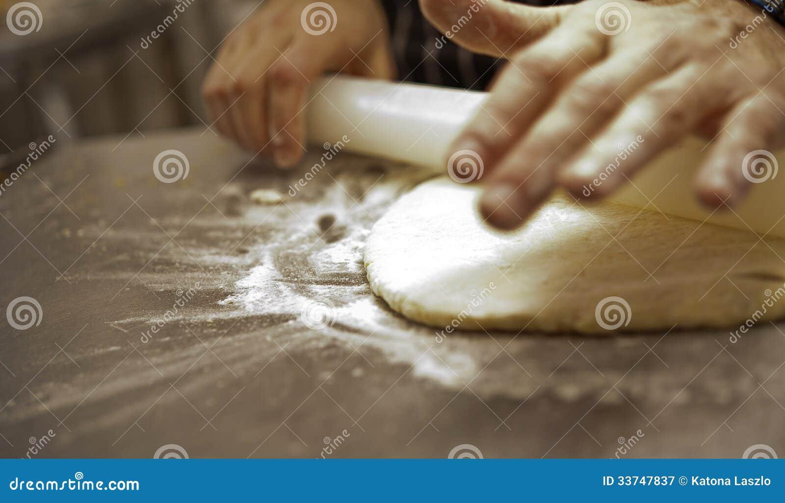 Se hacen el pan y la pizza