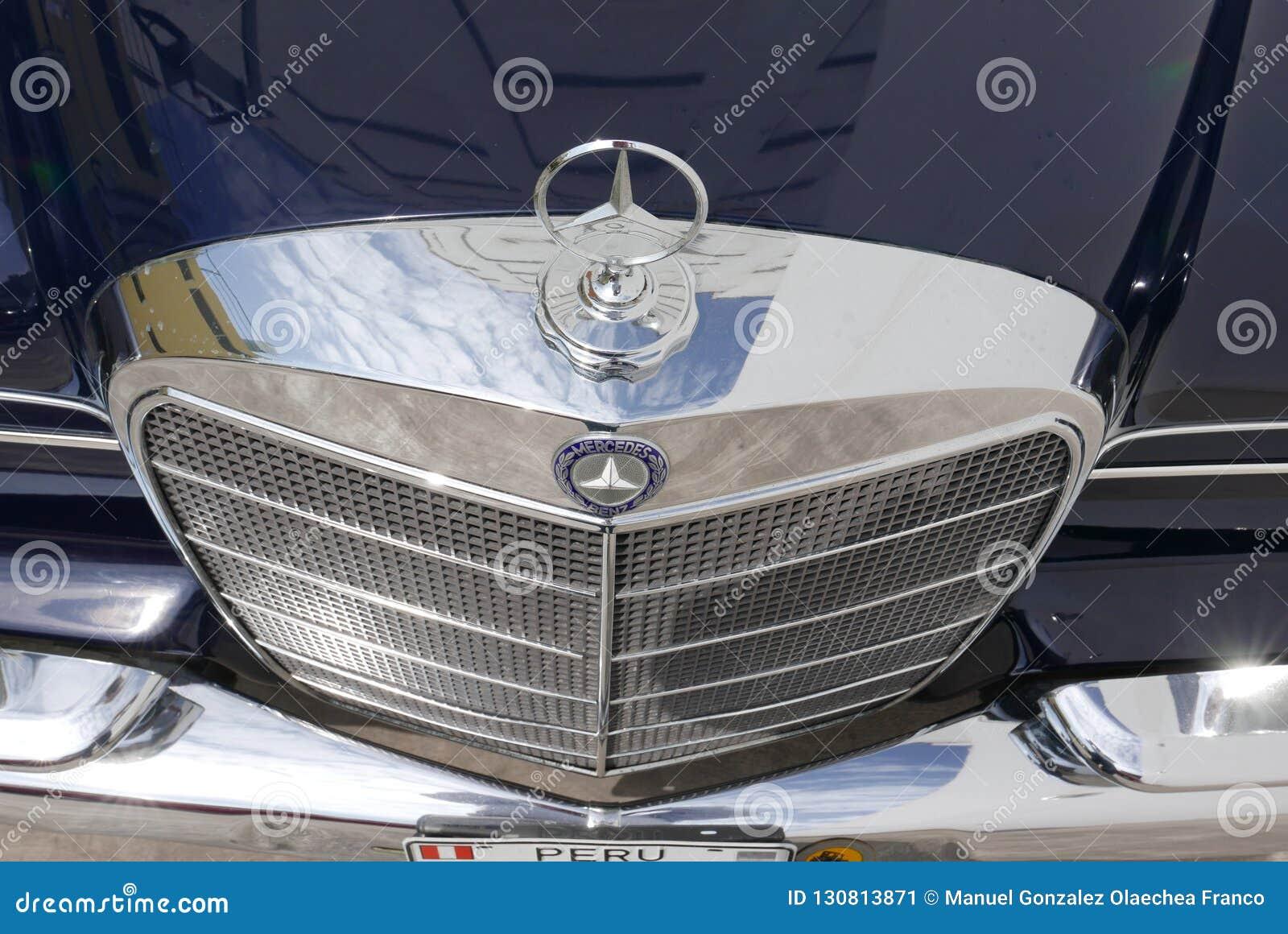 SE l гриль Benz 300 Мерседес хрома показал в Лиме