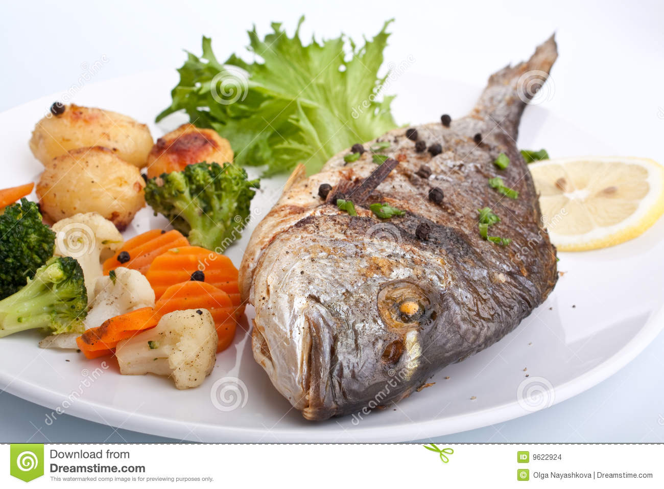 Sea bream fish with vegetables stock images image 9622924 for Fish with vegetables