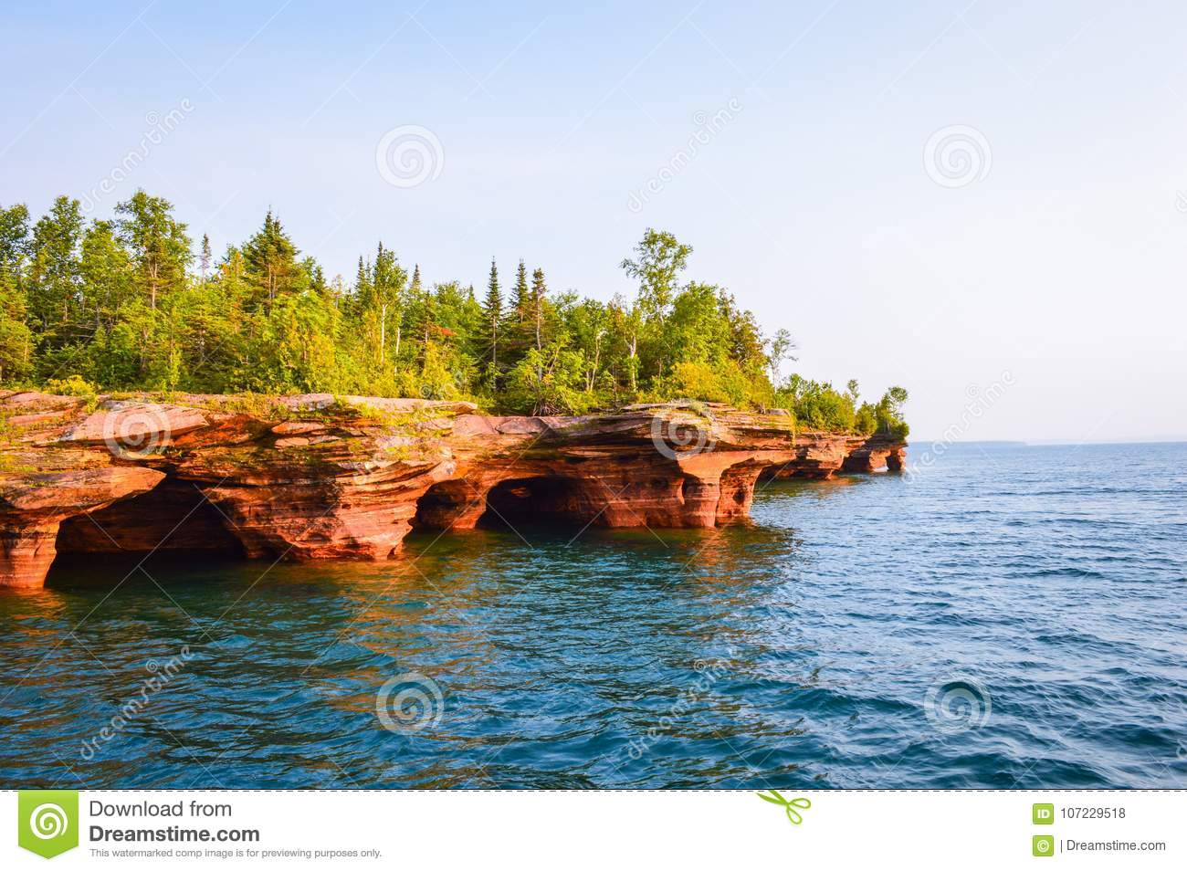 Sea caves of the Devil& x27;s Island in Apostle Islands of the Lake Superior