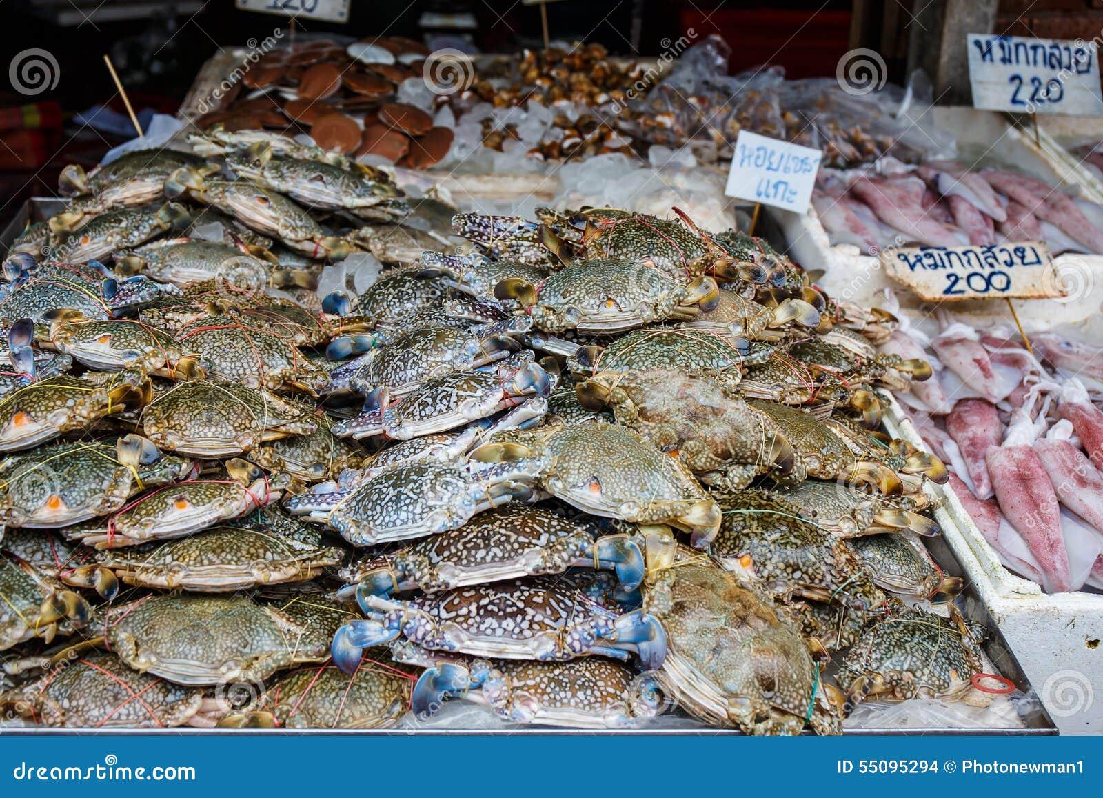 fresh raw crab at seafood market stock photo blue crab clipart free maryland blue crab clipart
