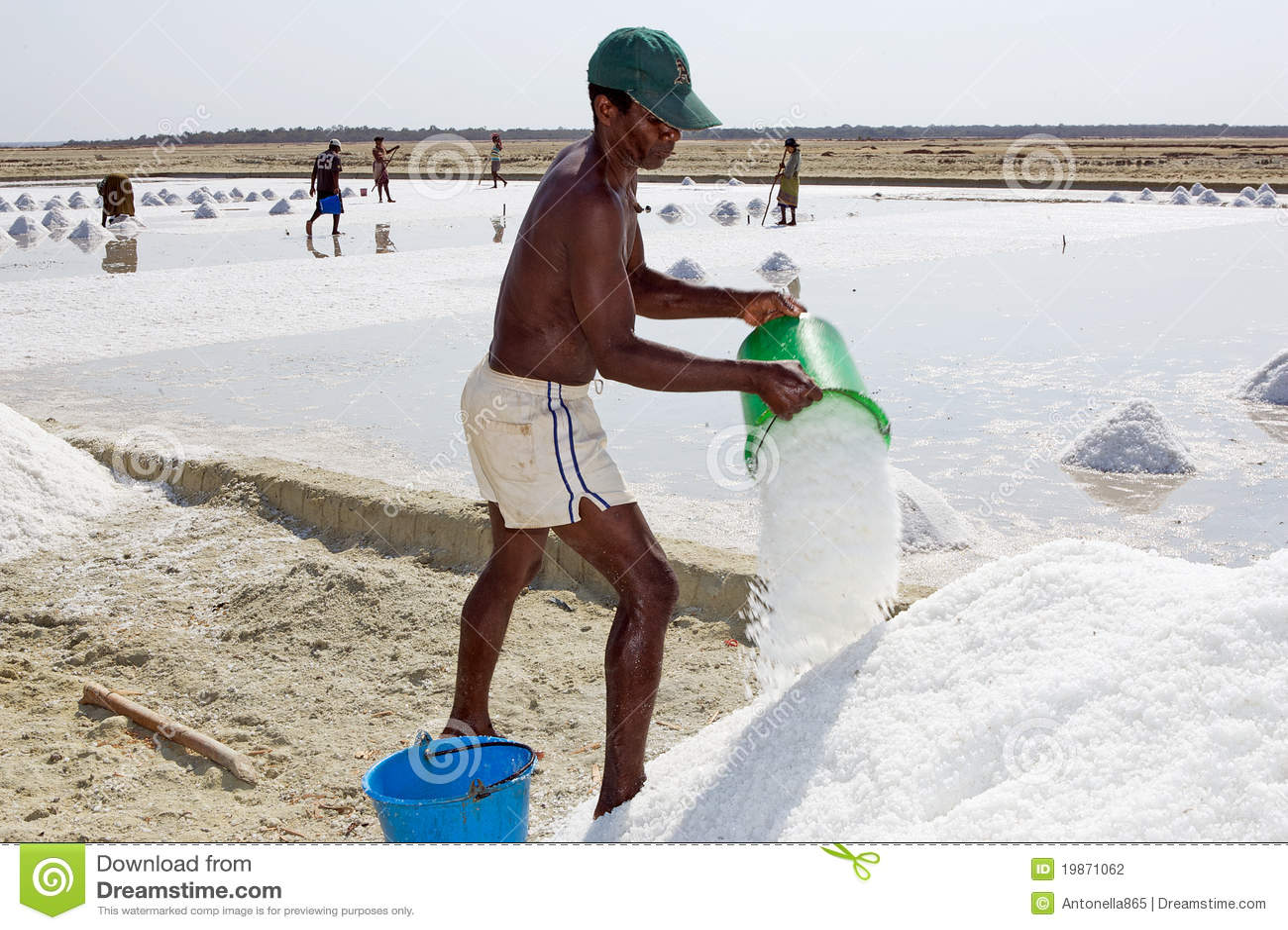 Crystallisation of salt