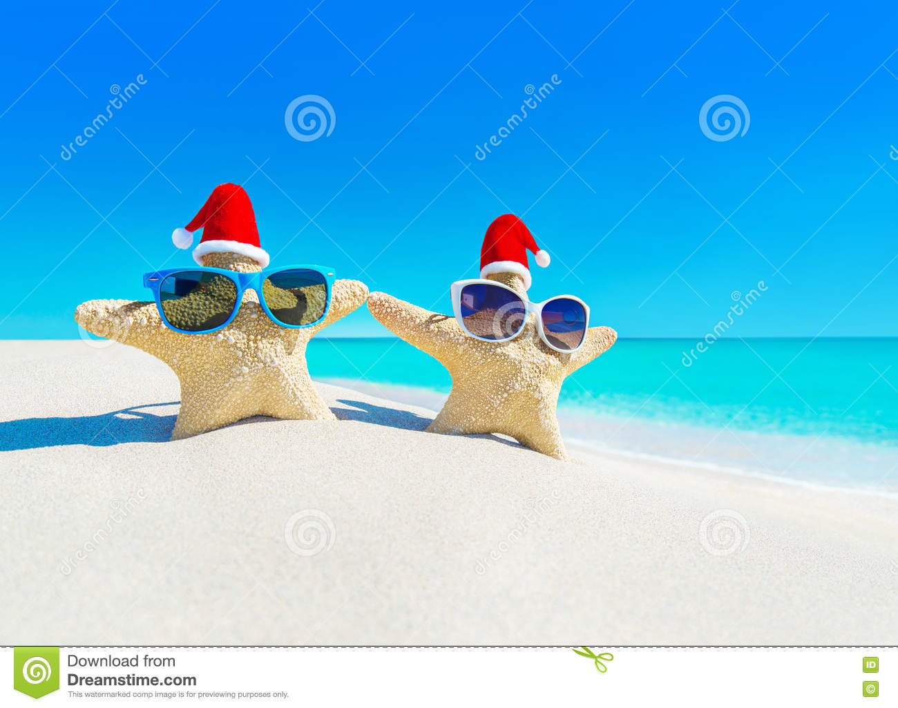 22563ee6 Sea Stars Couple In Sunglasses And Santa Hats At Beach Stock Photo ...