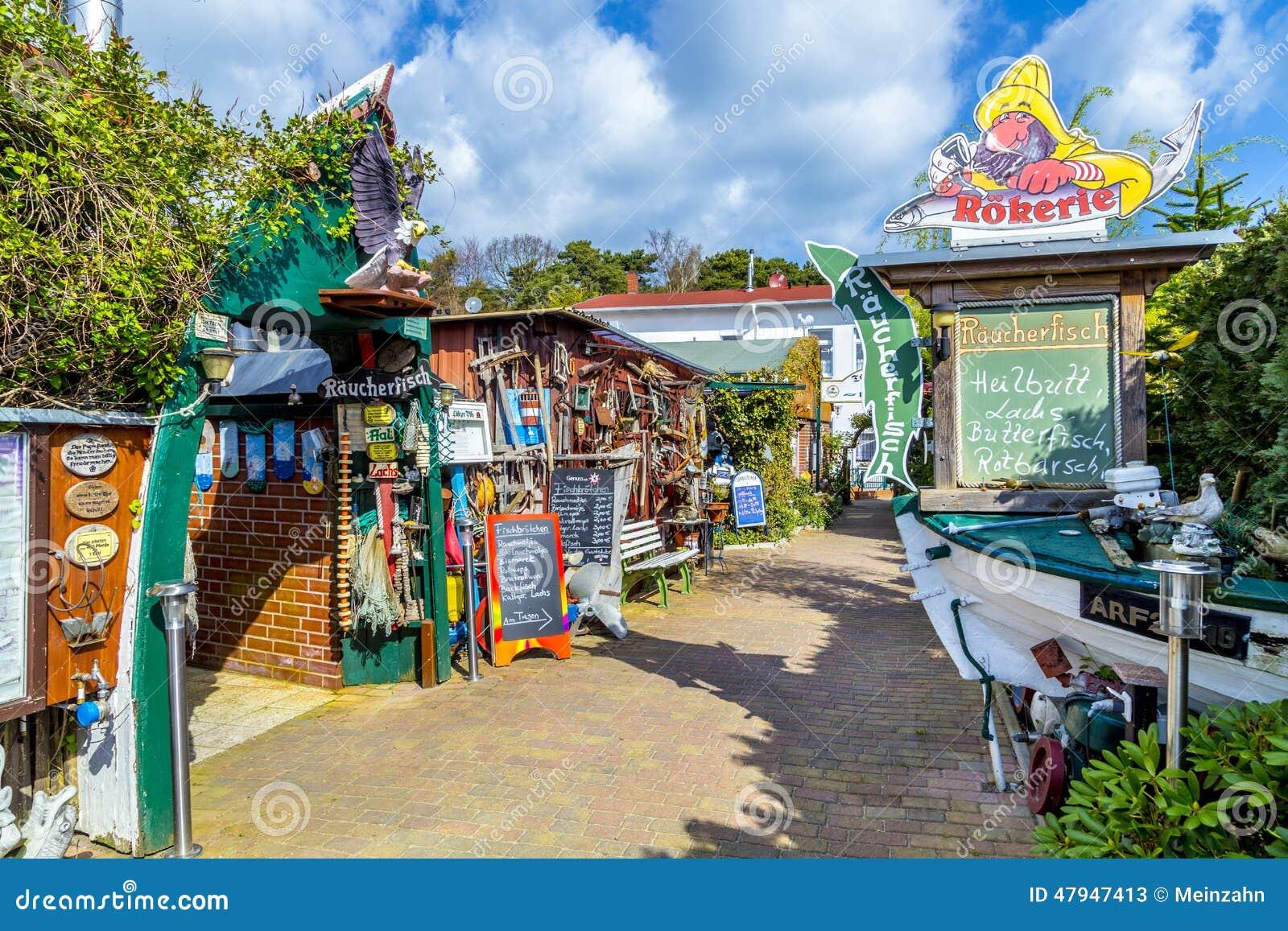 Seafood restaurants near the beach in zempin editorial for Fresh fish shop near me