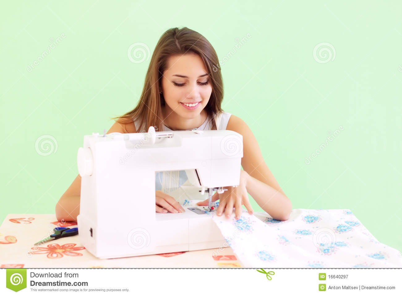 Seamstress working royalty free stock photography image 16640297