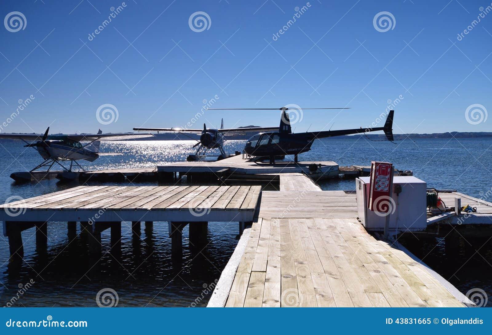 Seaplane. Robinson Helicopter. Lake Rotorua. New Zealand ...