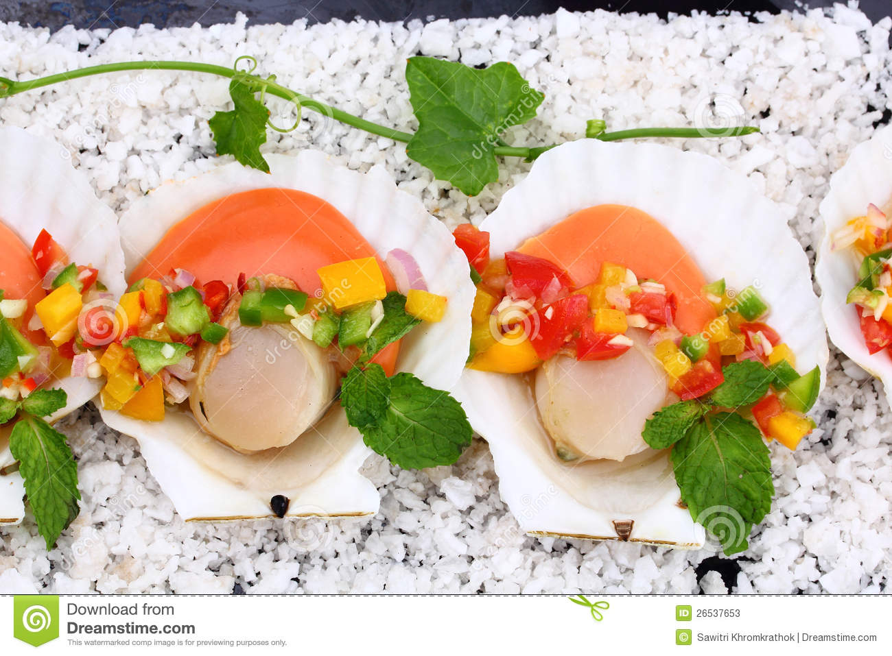 Seared Scallops With Tropical Salsa Stock Photos - Image ...