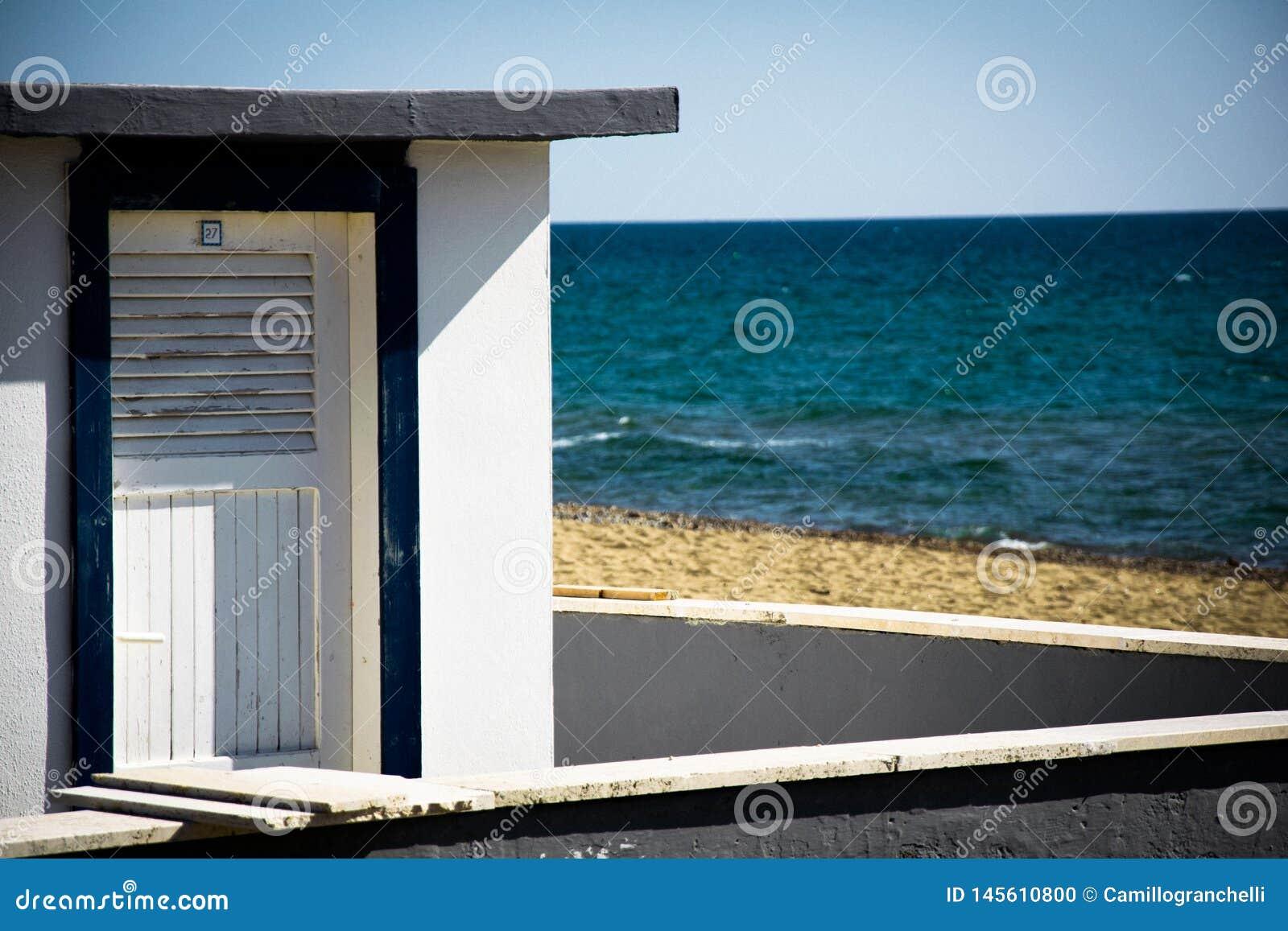 Seascape, кабина на предпосылке моря