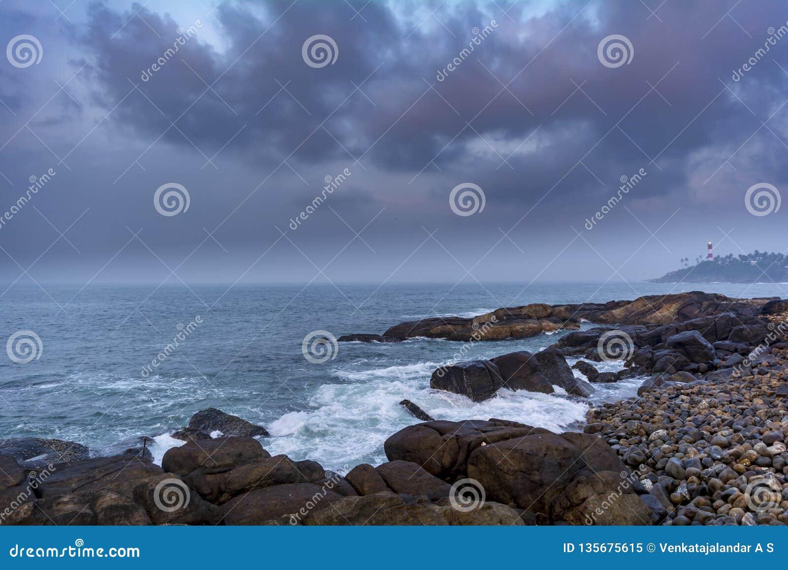 Seascape de Kovalam em Trivandrum