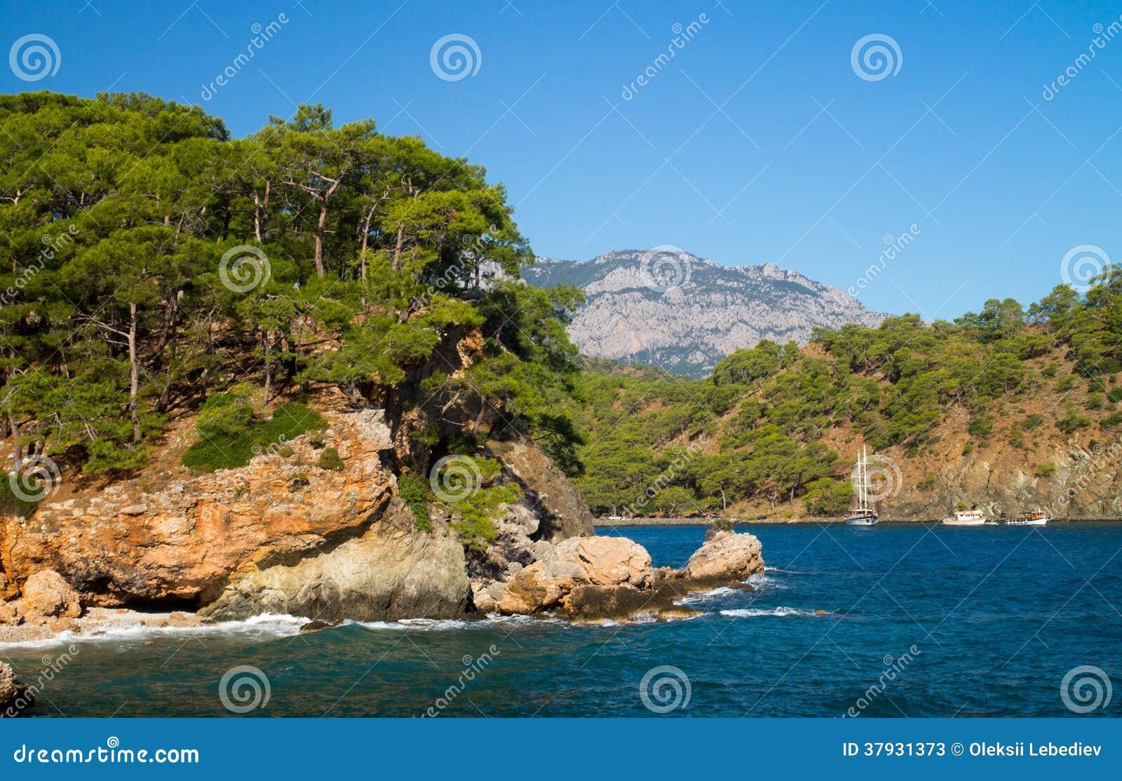 Скалистый seashore
