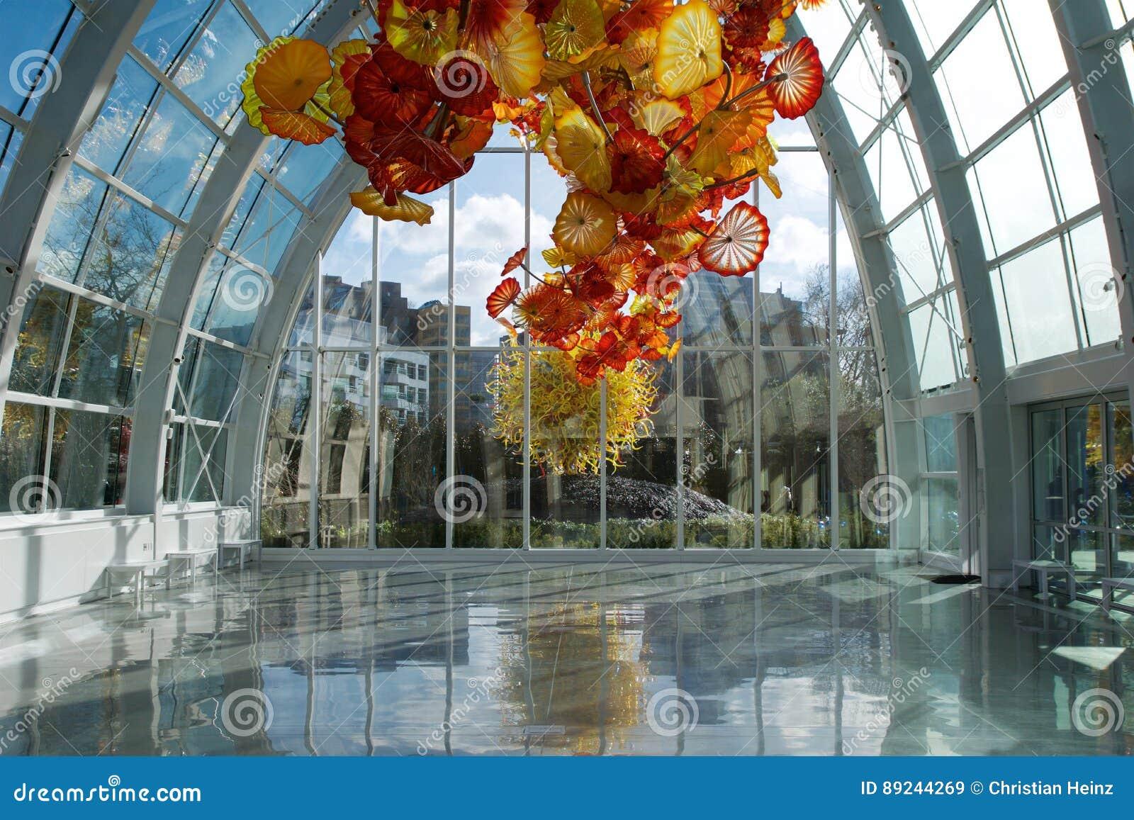 SEATTLE, WASHINGTON, los E.E.U.U. - 24 de enero de 2017: Museo del jardín y del vidrio de Chihuly que ofrece uno del ` s de Dale