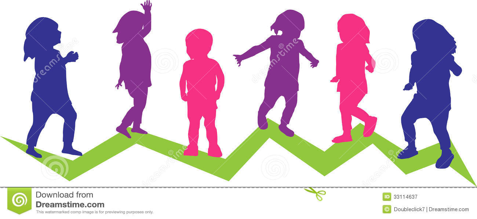 Sechs Kleinkinder in der Bewegung