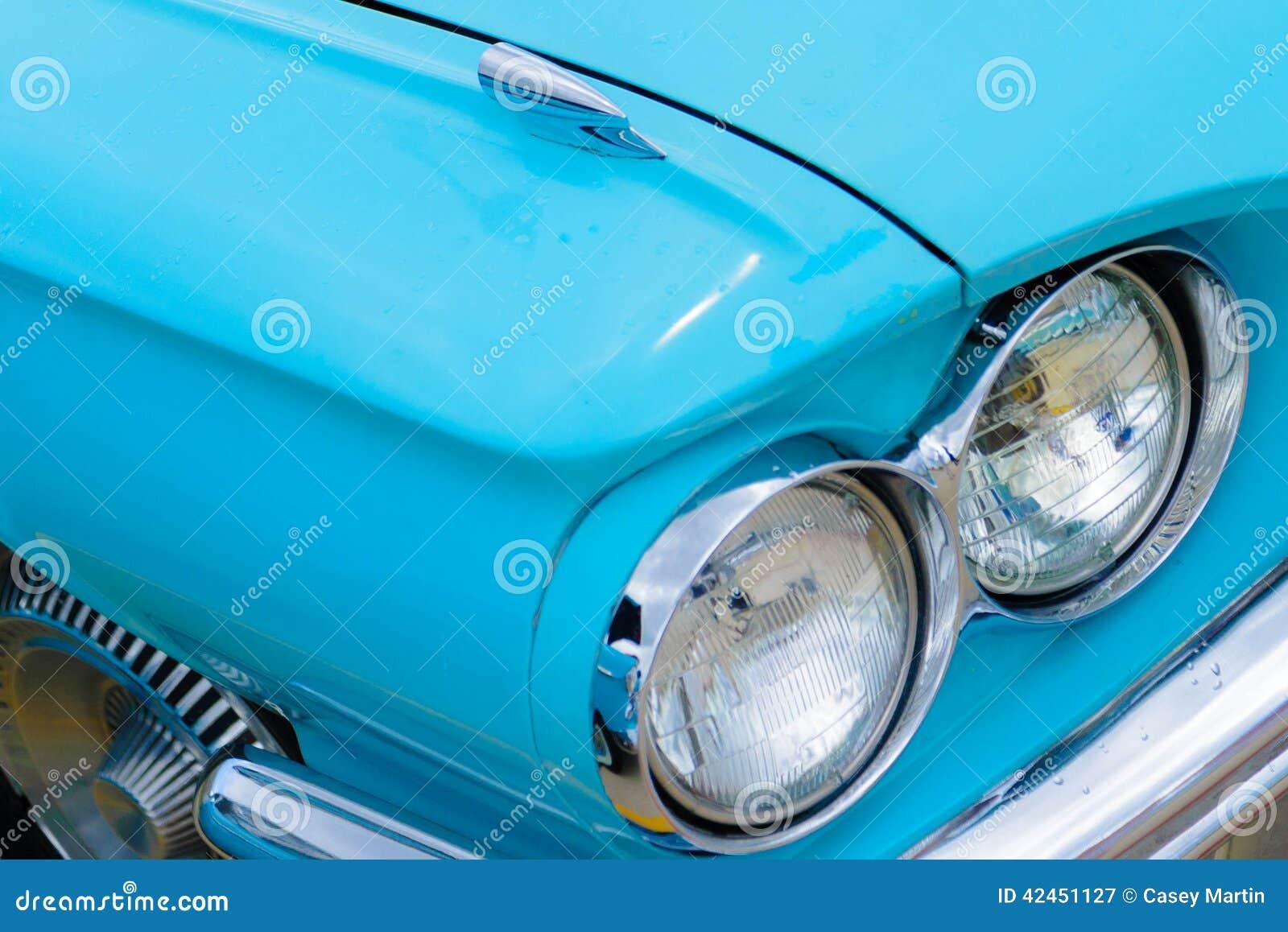 Sechziger Jahre Ford Thunderbird-Scheinwerfer