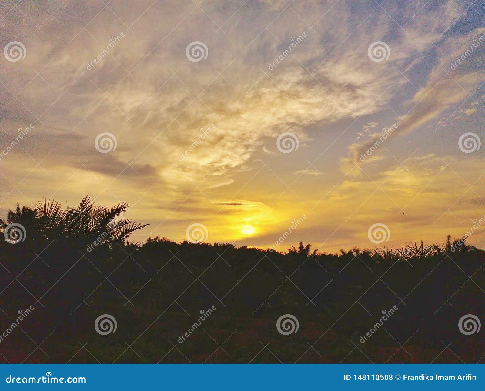 Secondi prima del tramonto