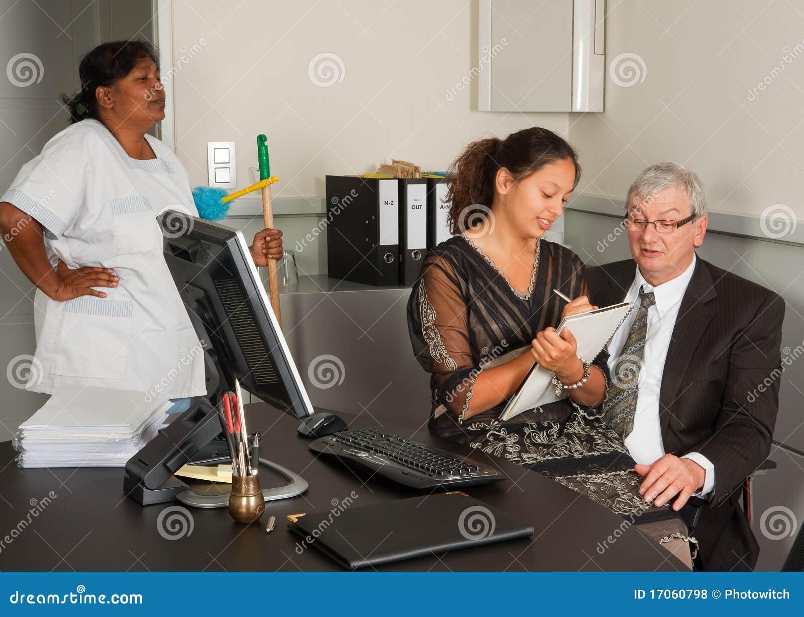 Secrétaire sur les genoux de gestionnaire