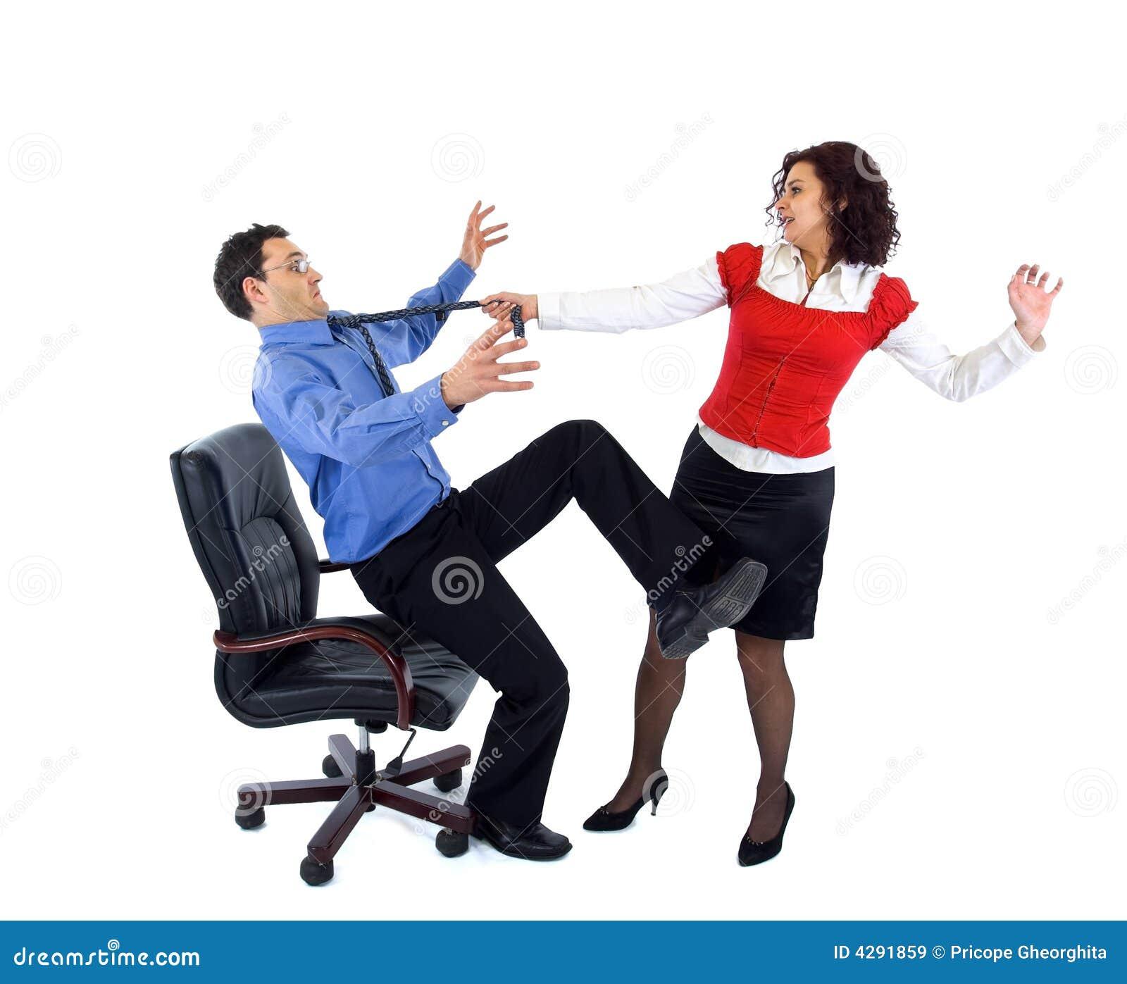 Secretária agressiva