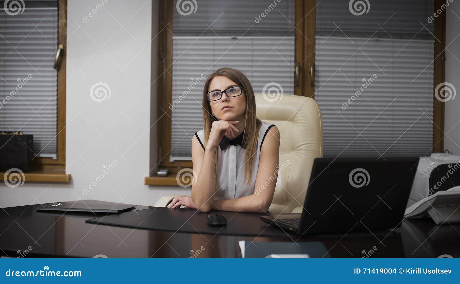 Secretary Selfie Desk Wwwmiifotoscom