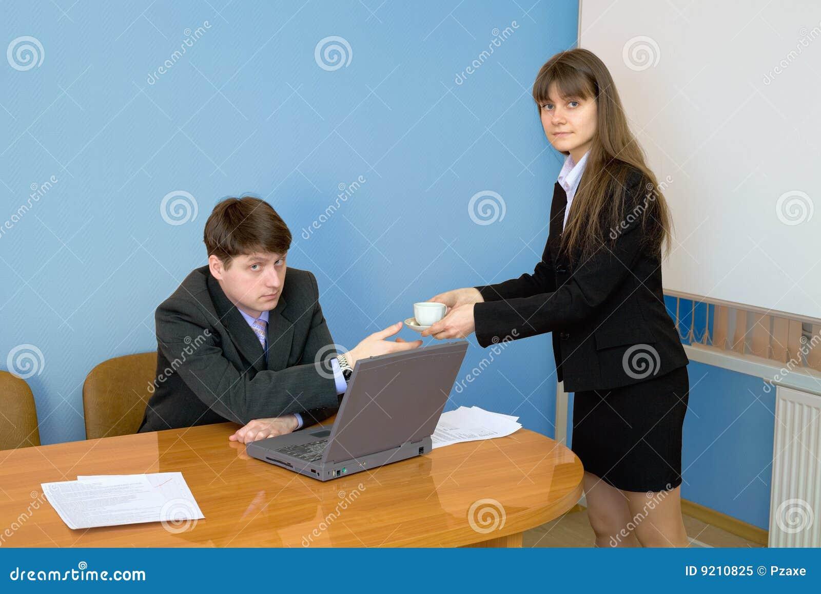 Секретарша дала директор 2 фотография
