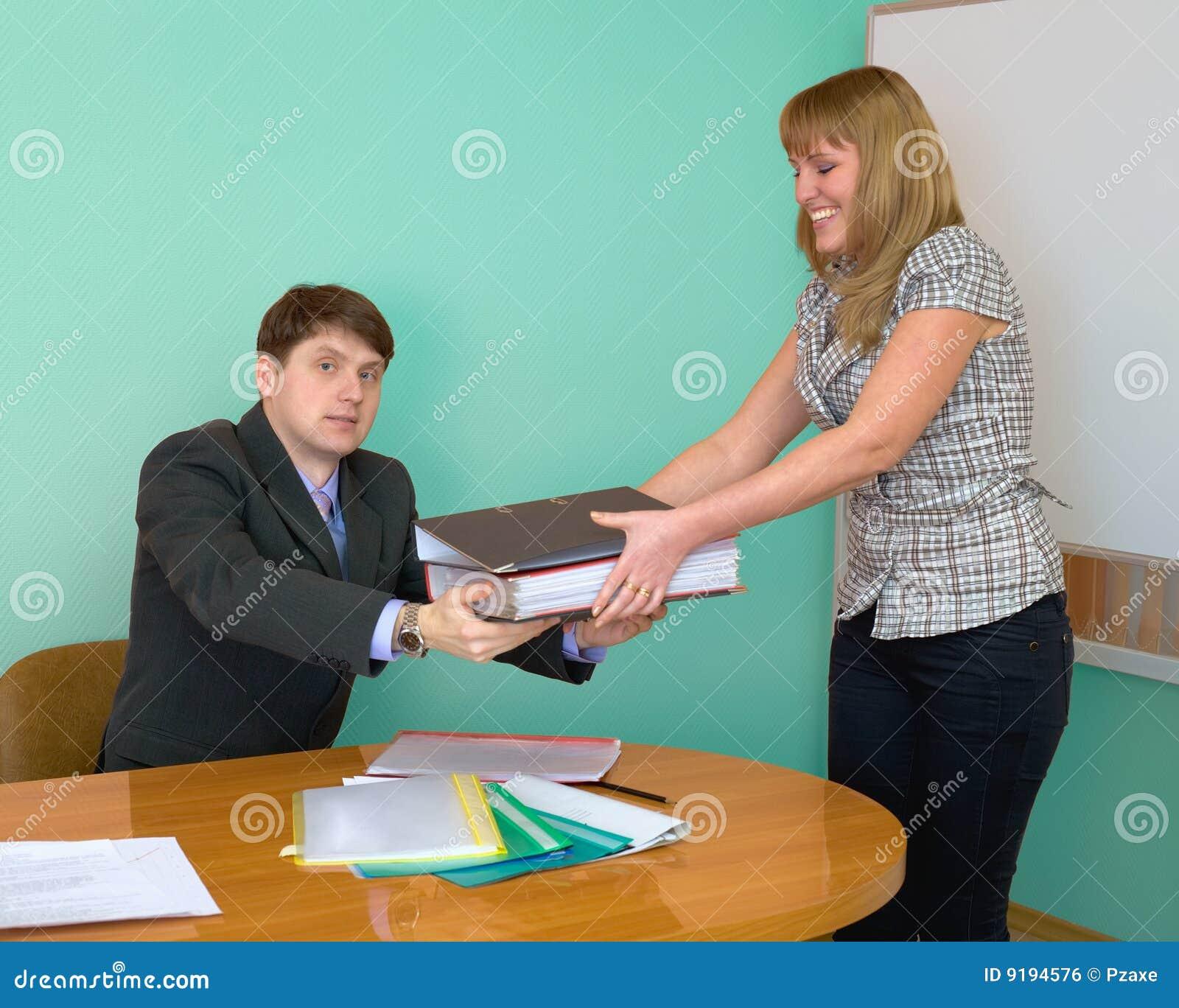 Секретарша дала директор 3 фотография