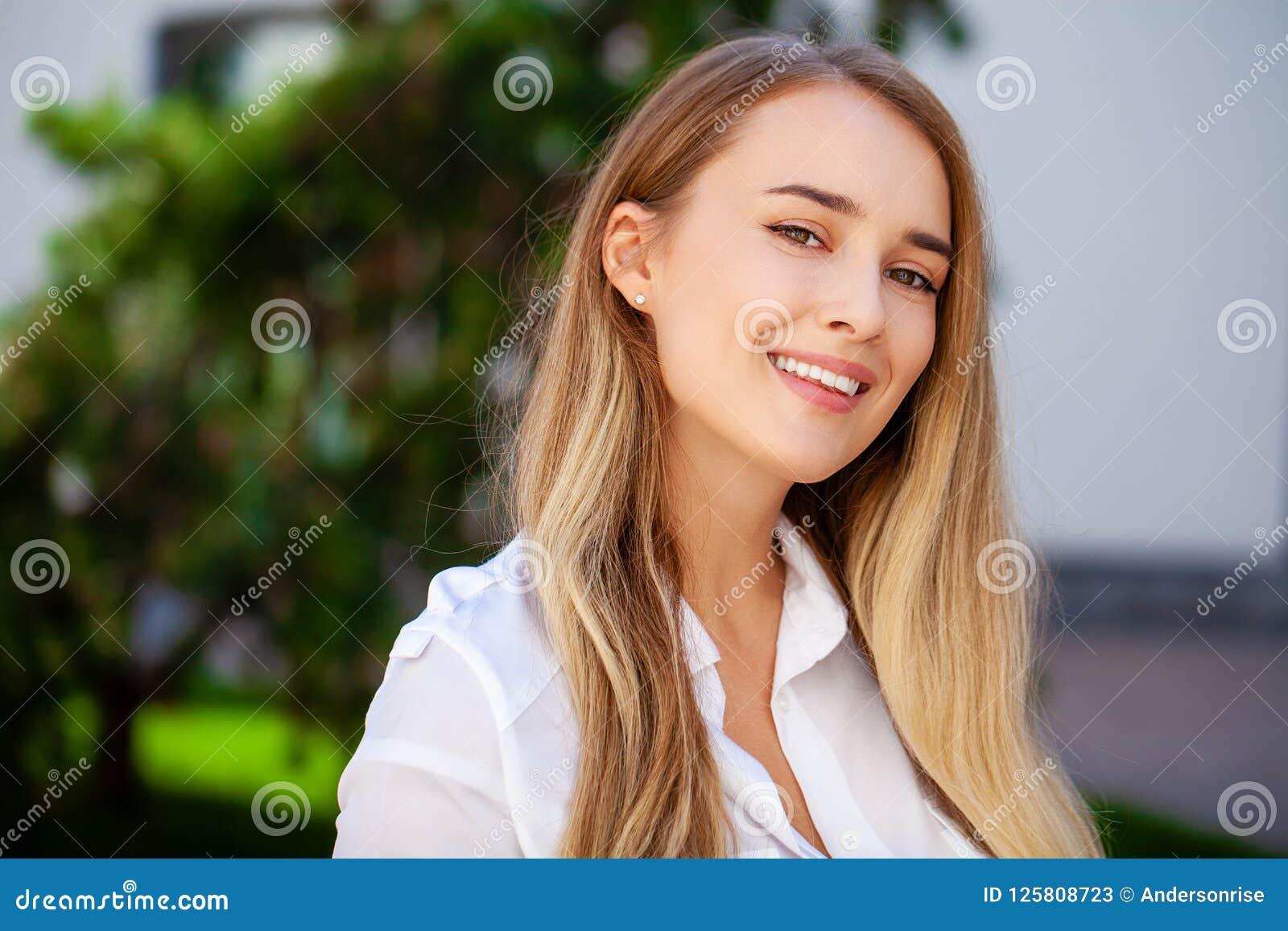 Curvy secretary long hair asian