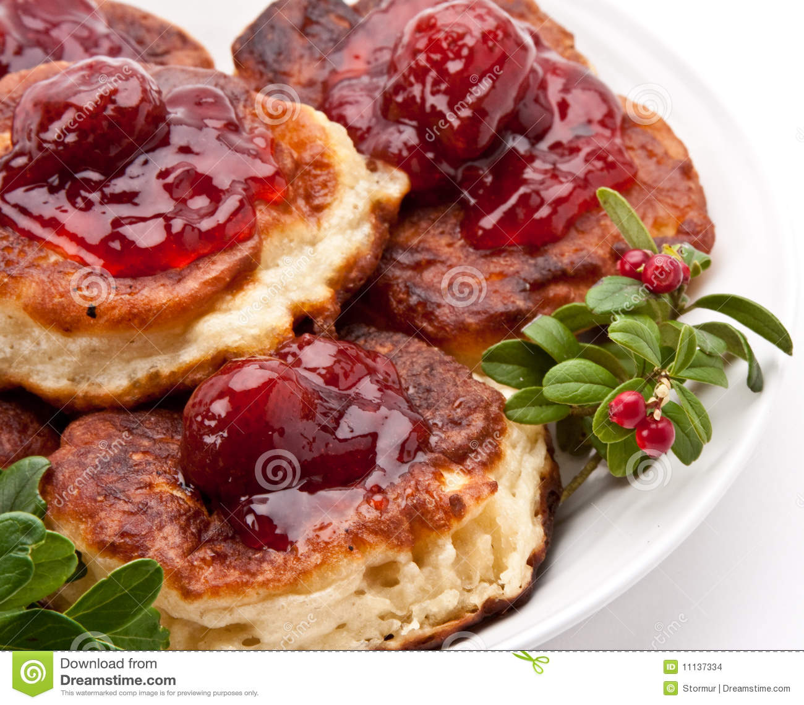 Secteur polonais avec de la confiture de fraise