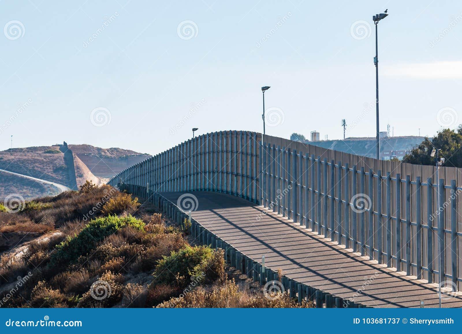 Sectie van Internationale Grensmuur tussen San Diego/Tijuana