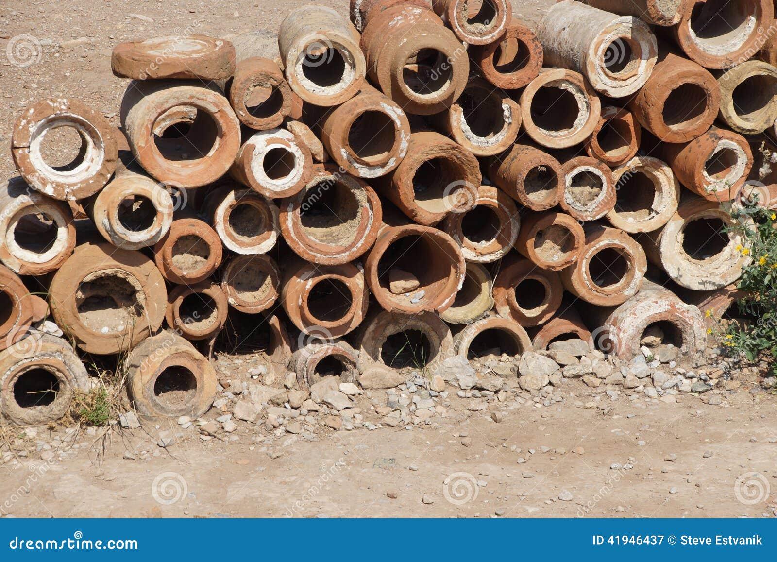 sections antiques de tuyau de terre cuite image stock image du pipe antique 41946437. Black Bedroom Furniture Sets. Home Design Ideas