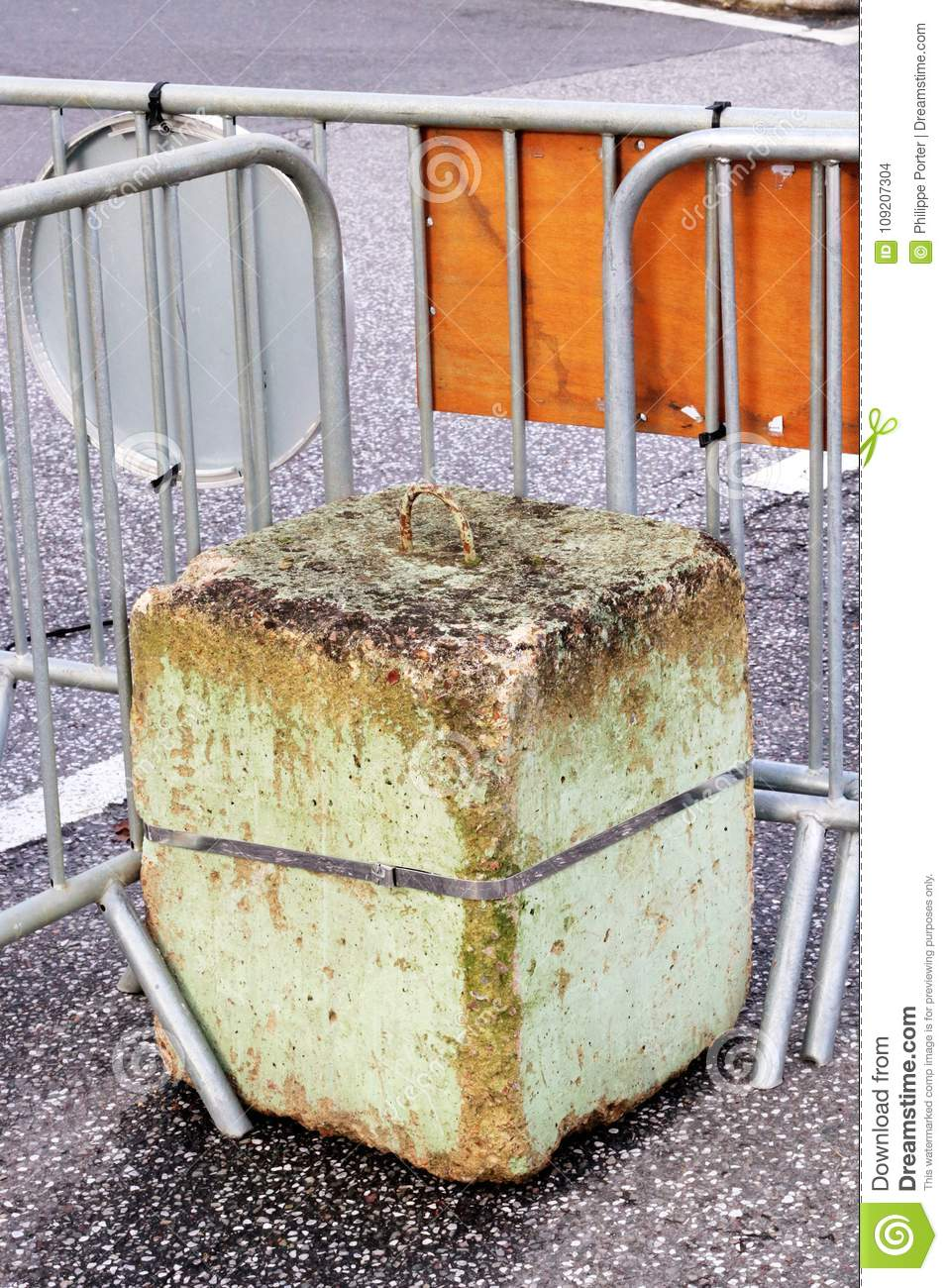 Security road block concrete safety Barrier