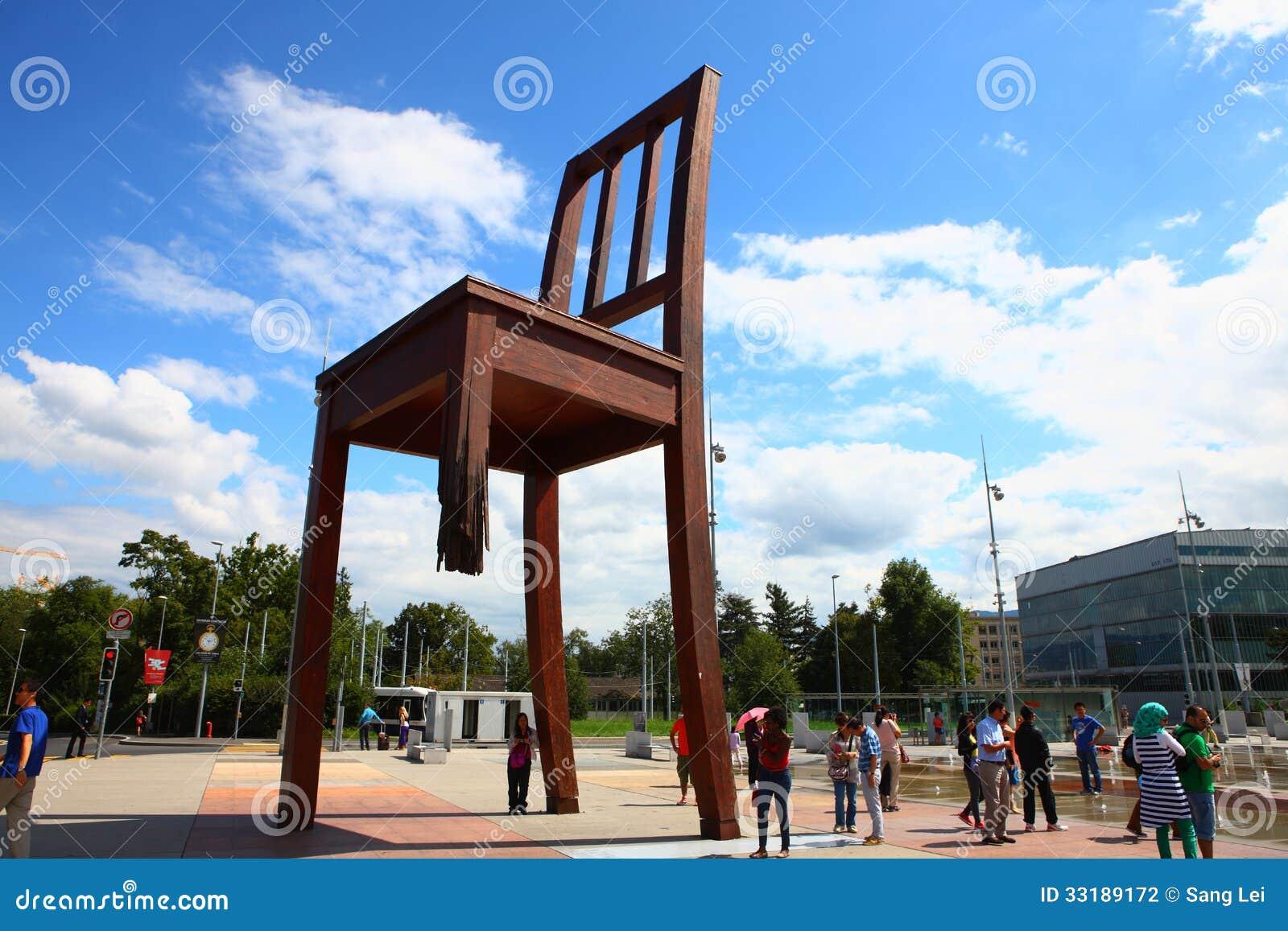 sedia rotta a geneve fotografia editoriale immagine di