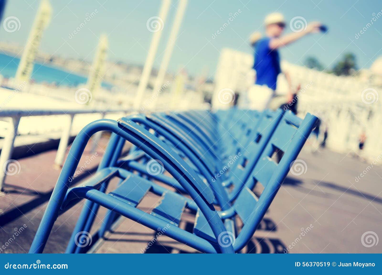 Sedie Blu Nizza : Sedie blu caratteristiche a promenade des anglais in nizza
