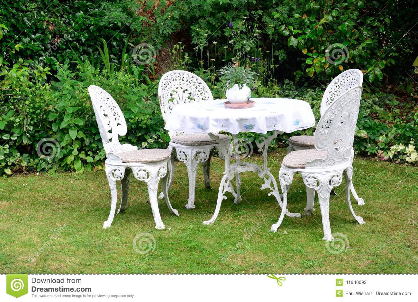 Sedie In Ghisa Da Giardino Prezzi.Sedie Di Giardino Del Ghisa Immagine Stock Immagine Di Presidenza