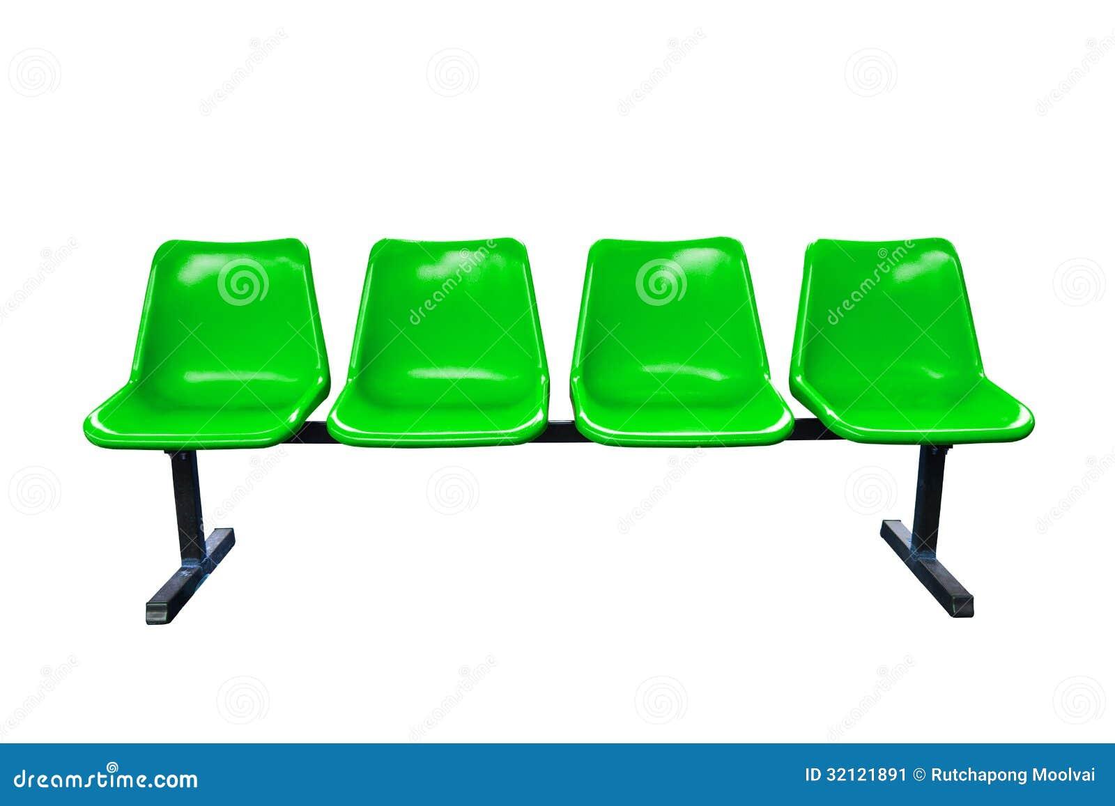 Sedie Verdi Di Plastica.Sedie Di Plastica Verdi Alla Fermata Dell Autobus Isolata Immagine