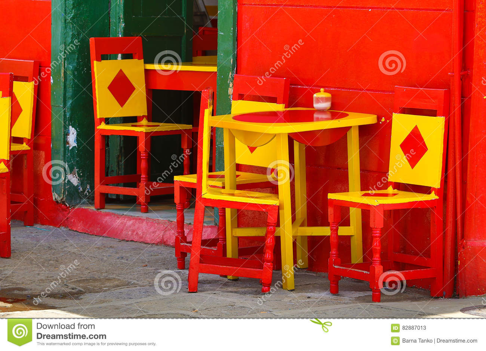 Sedie e tavole Colourful