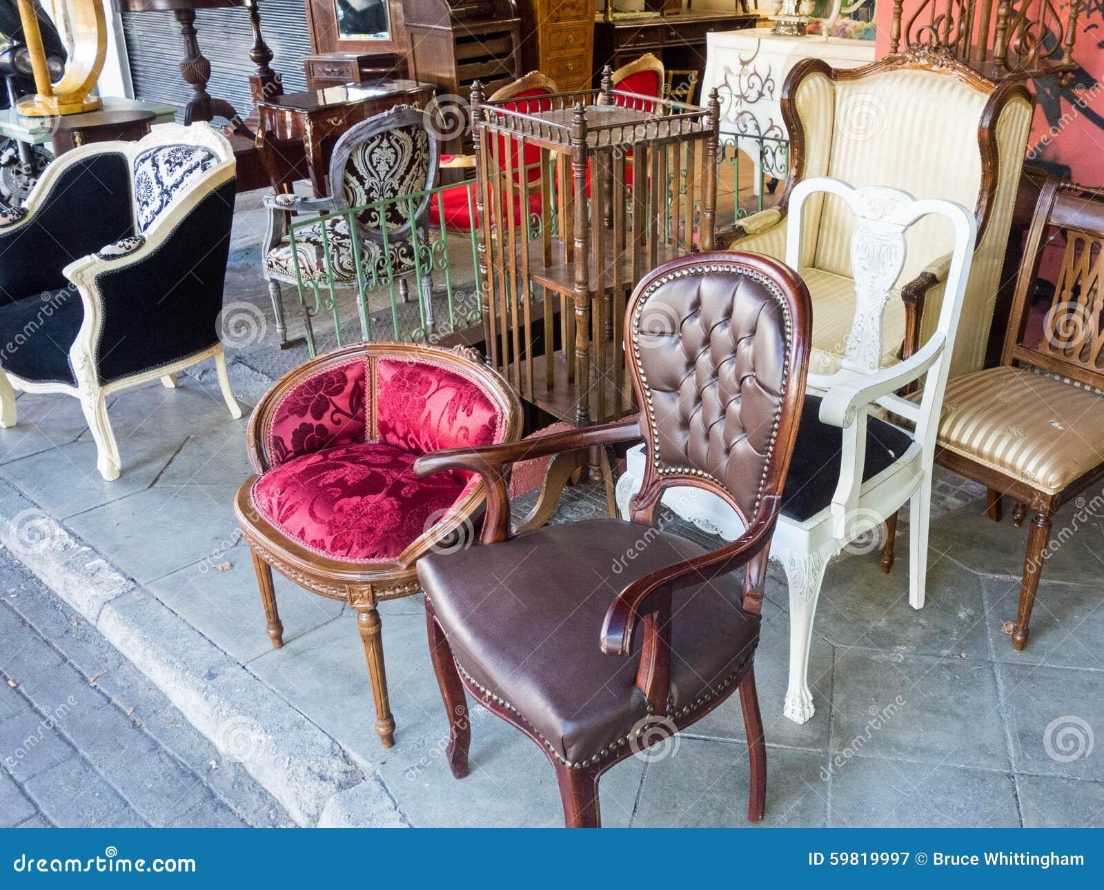 Sedie Di Plastica Usate : Sedie riciclate del bracciolo immagine stock immagine di usato