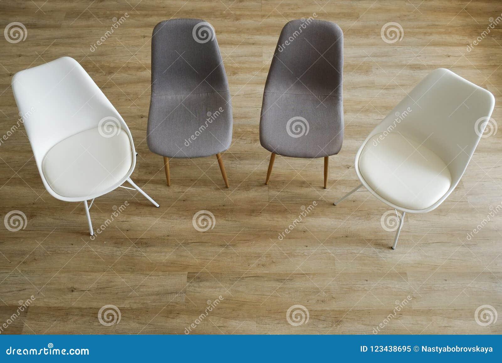 Le Sedie Vuote.Sedie Vuote Concetto Di Posizione Di Lavoro Libero La Stanza