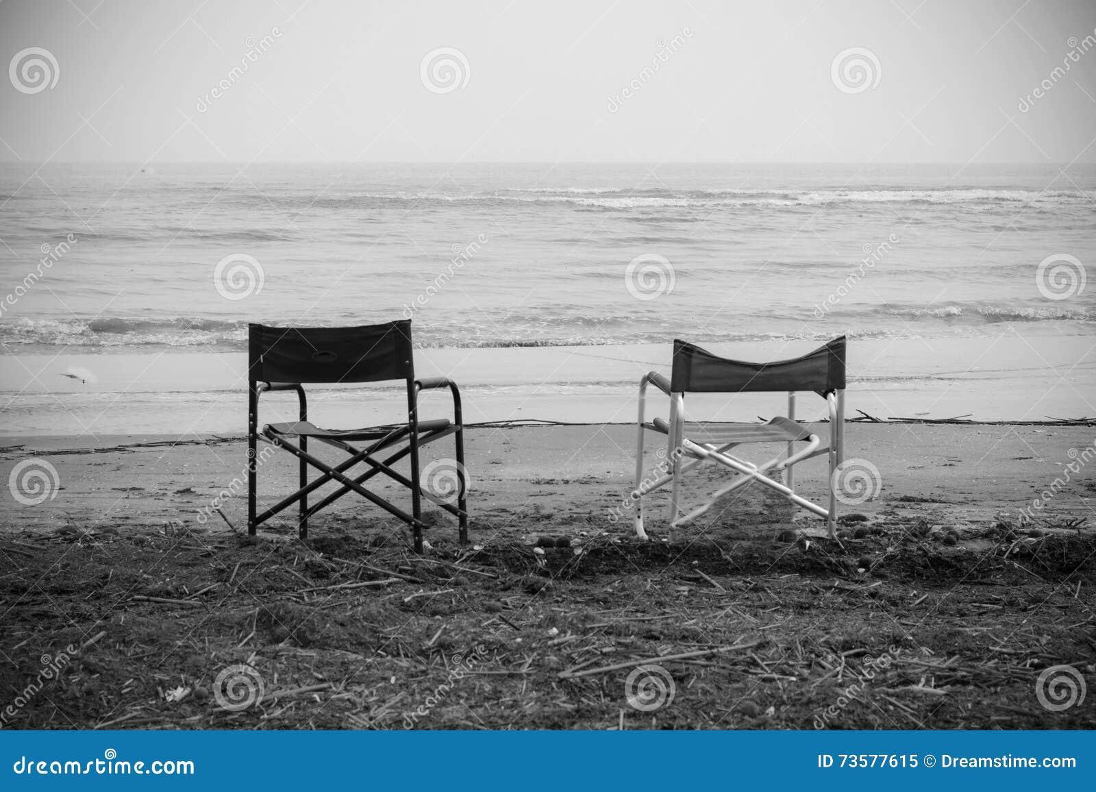 Le Sedie Vuote.Sedie Vuote Davanti Al Mare Immagine Stock Immagine Di