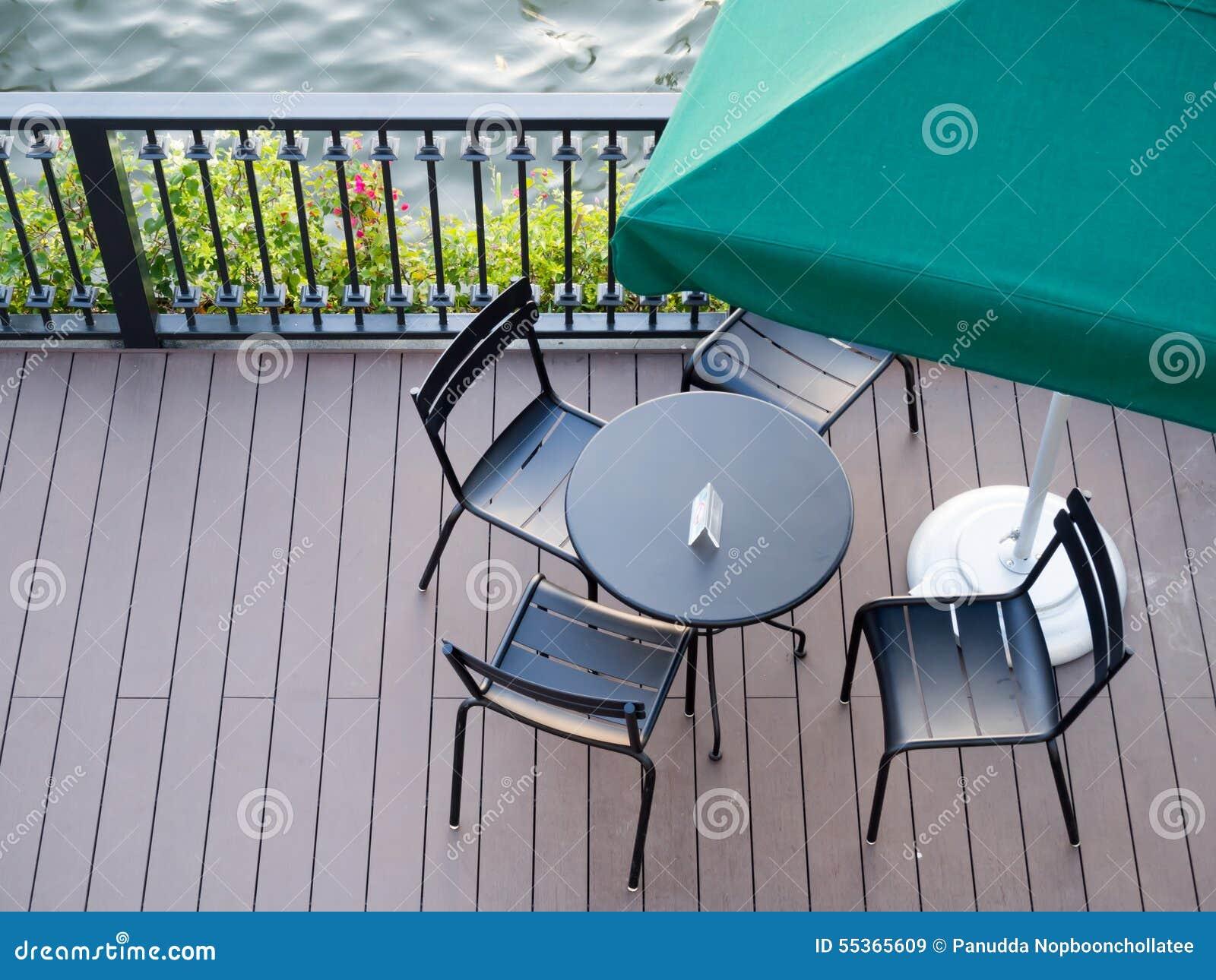 Sedili e tavola