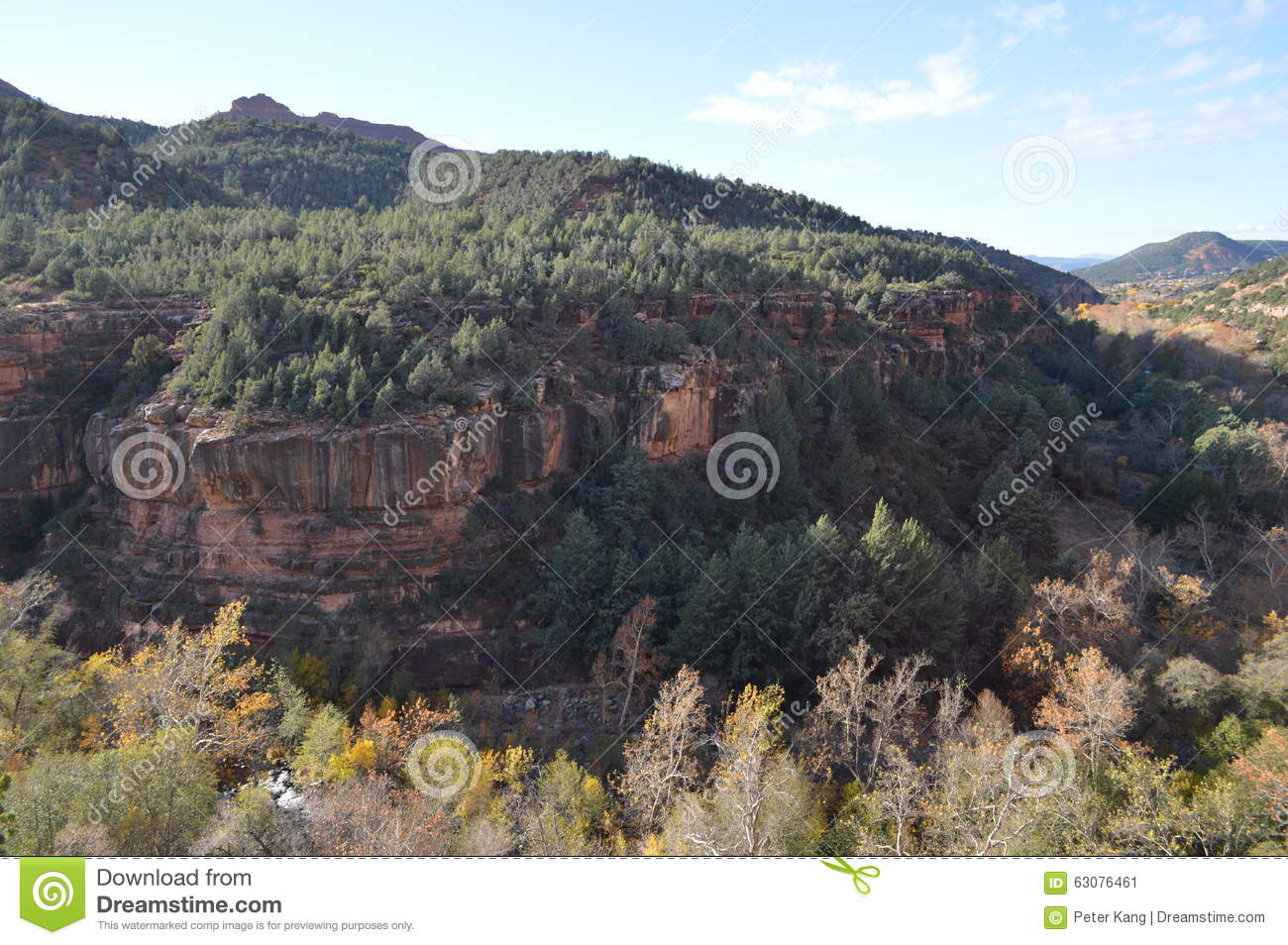 Download Sedona Moutains image stock. Image du nuages, roches - 63076461