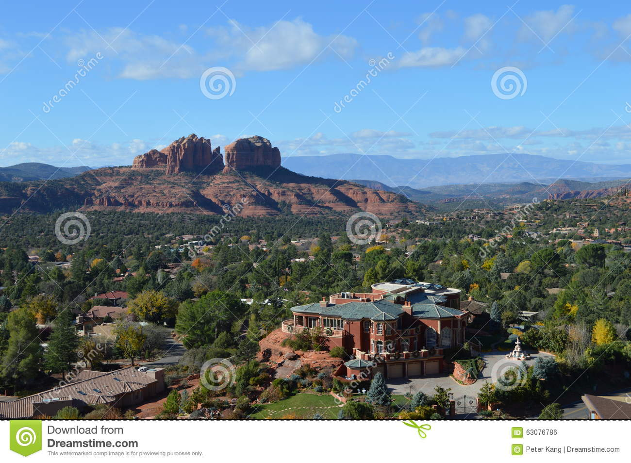 Download Sedona Moutains photo stock. Image du arbres, raboteux - 63076786