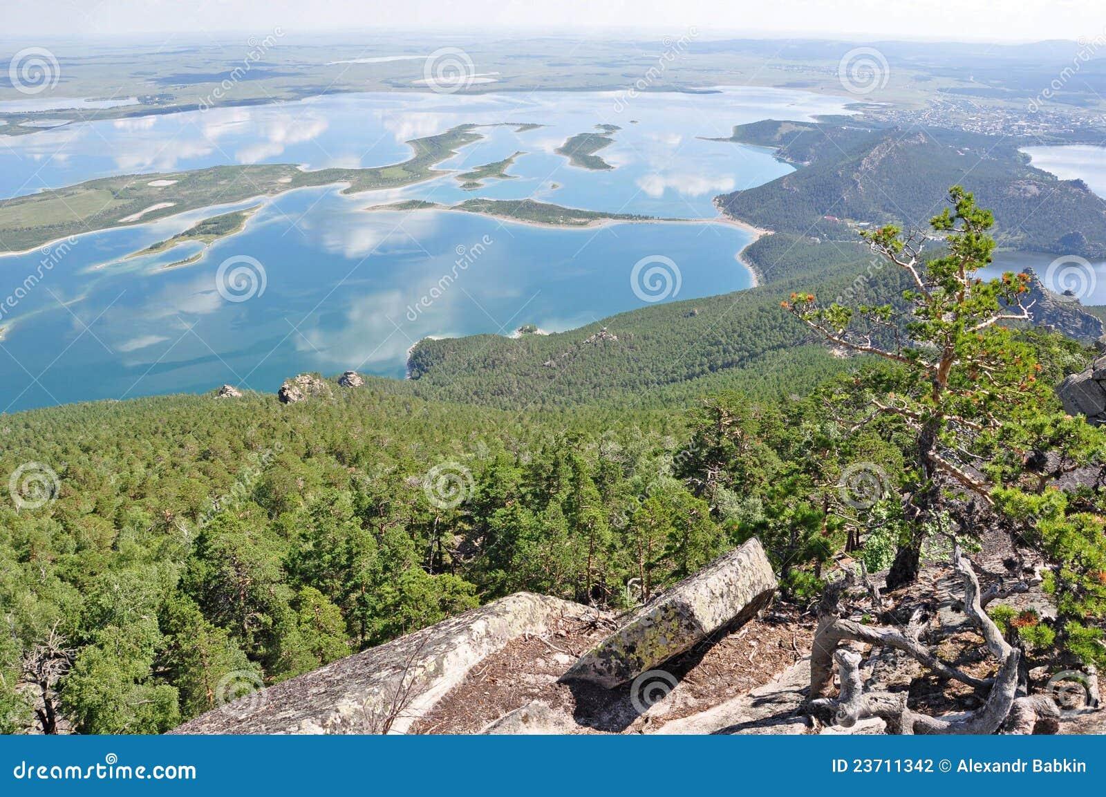 See, Felsen und Wald im Nordkazakhstan 2