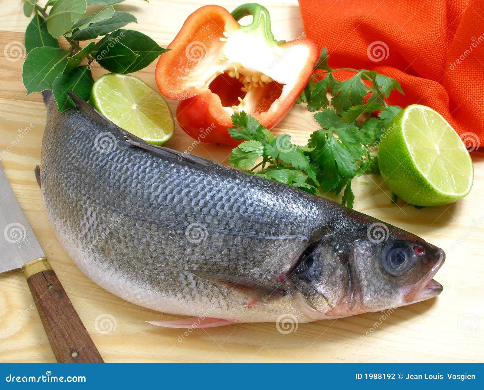 Seebarsch mit grünem Pfeffer