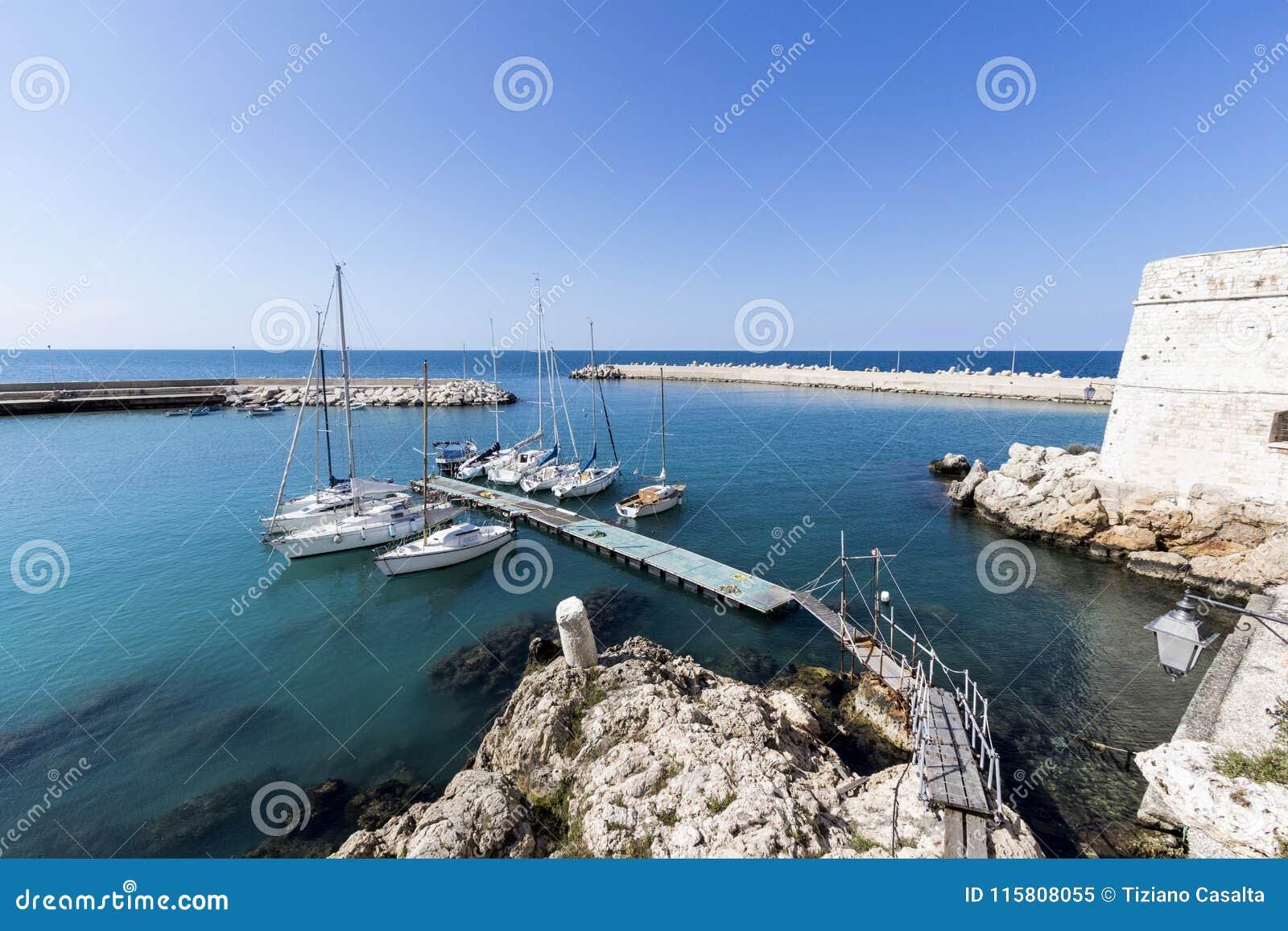 Seehafen in Puglia Italien