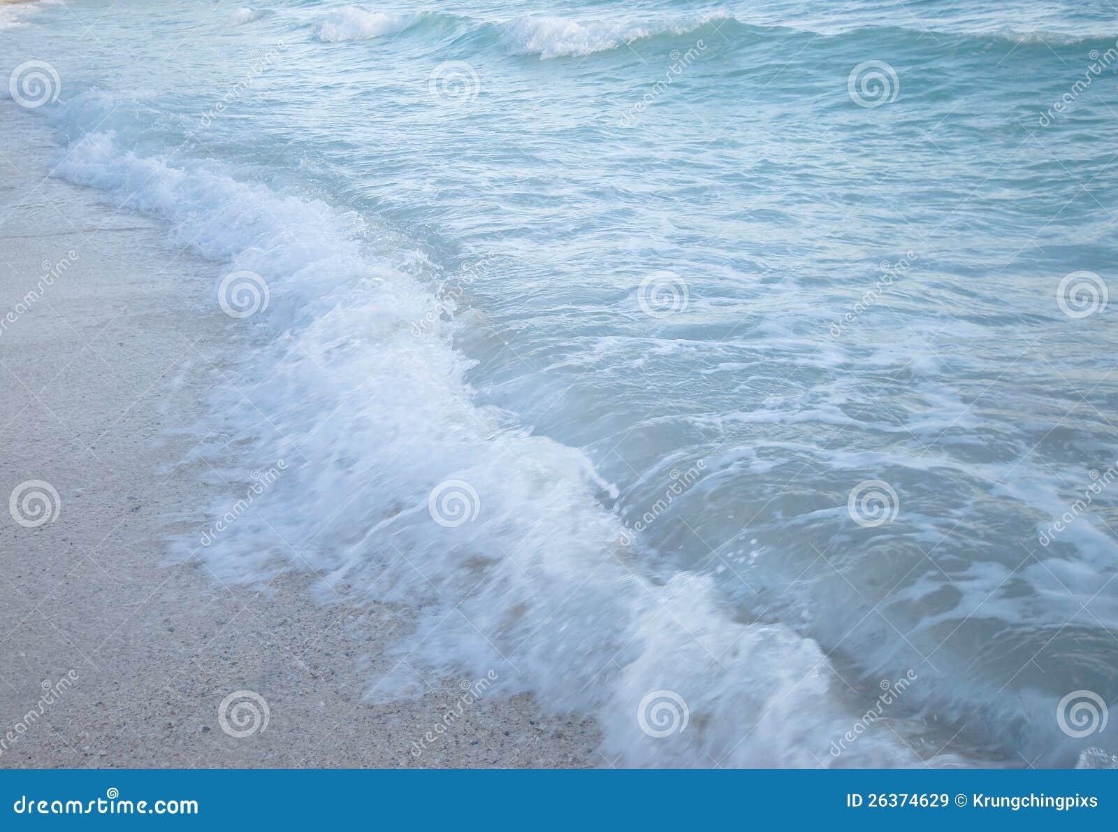 Seewelle und -kiesel