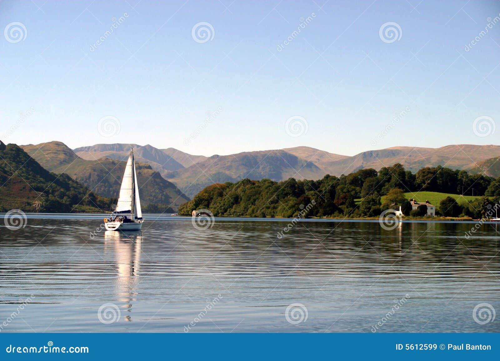 Segelboot auf Ullswater