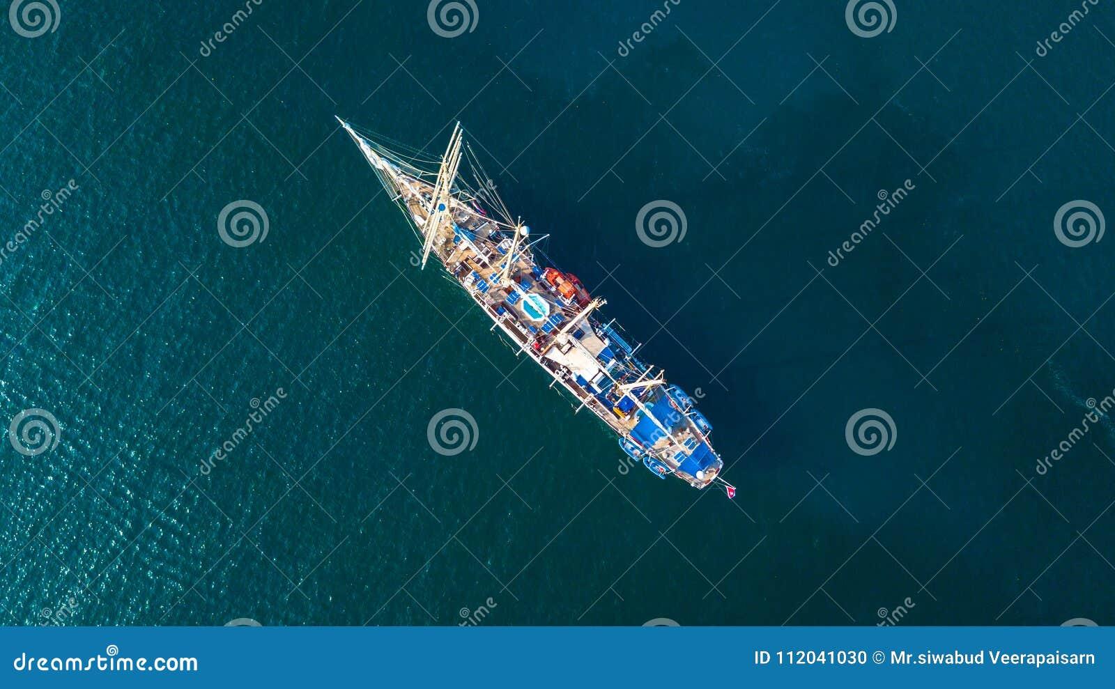Segling för segelbåt för tappning för flyg- sikt retro klassisk gammal på mörker b