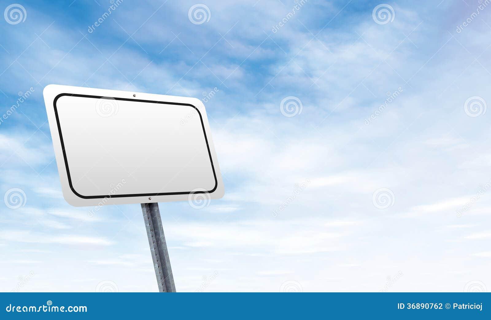 Download Segnale Stradale In Bianco Con Lo Spazio Della Copia Del Cielo Fotografia Stock - Immagine di creativo, commercio: 36890762