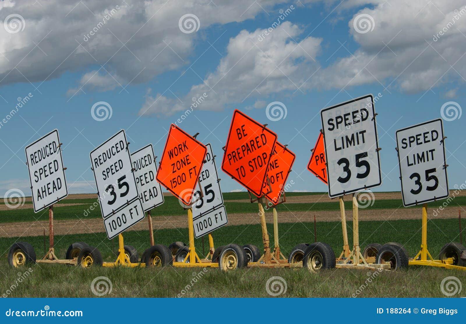Segni di limite di velocità