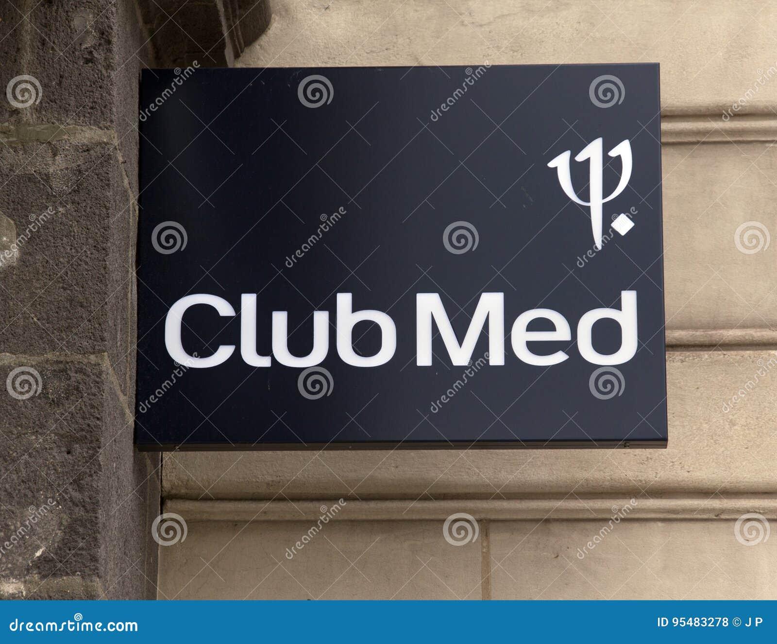 Segno del med del club su una costruzione